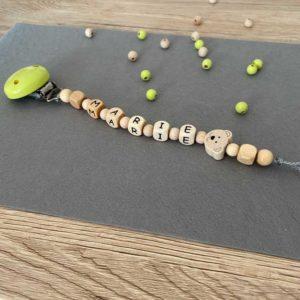 Personalisierte Schnullerkette mit Namen aus Holz für Mädchen Marie